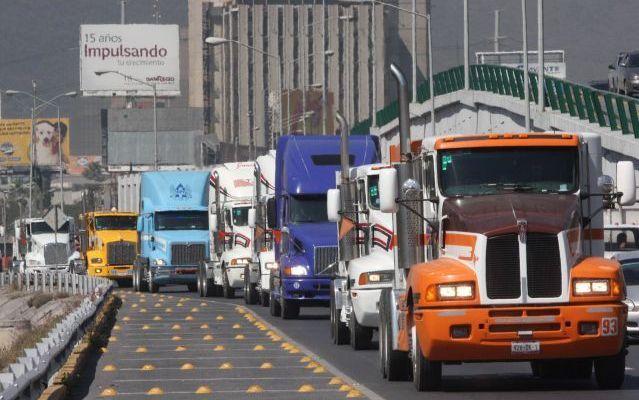 Pese a amparos, se mantiene reglamento de tránsito homologado en Monterrey - Foto de Internet