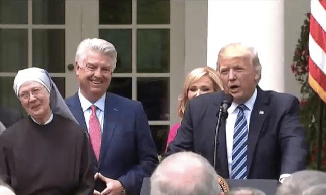 'No permitiremos que la gente de fe sea silenciada': Trump