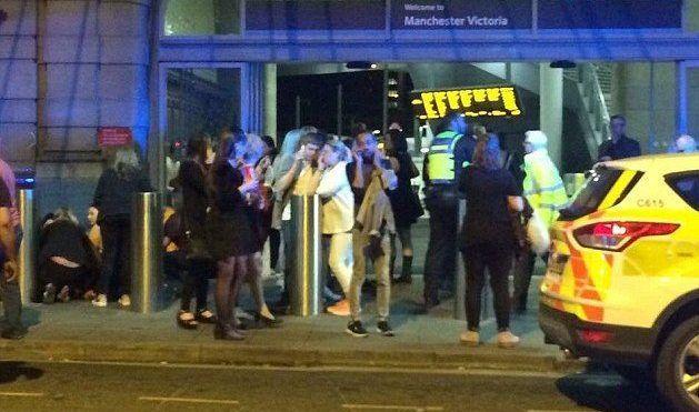 Joven de 14 años es la última víctima fatal confirmada en Manchester - Foto de Daily Mail.