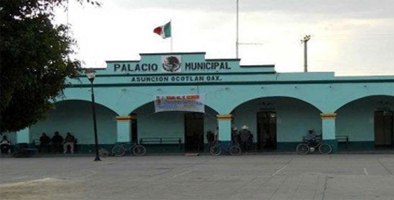Retienen a alcalde de Asunción Ocotlán en Oaxaca - Foto de Quadratin