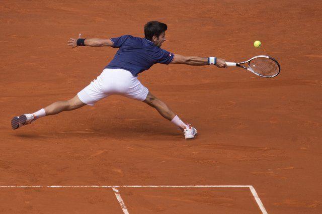 Djokovic y Nadal avanzan a tercera ronda del Abierto de Madrid