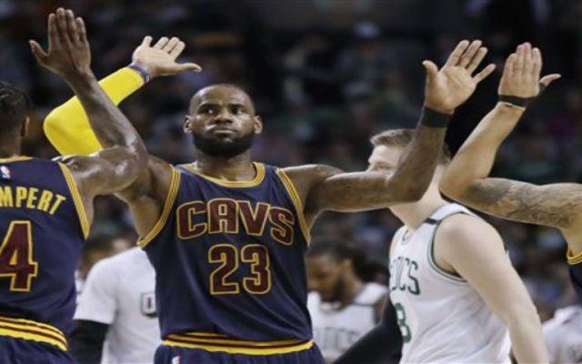 Cavaliers consigue la mayor cantidad de puntos anotados en playoffs en su historia - Foto de AP