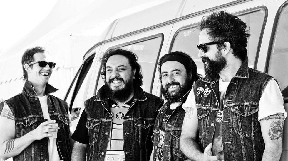 Molotov pospone concierto por asalto
