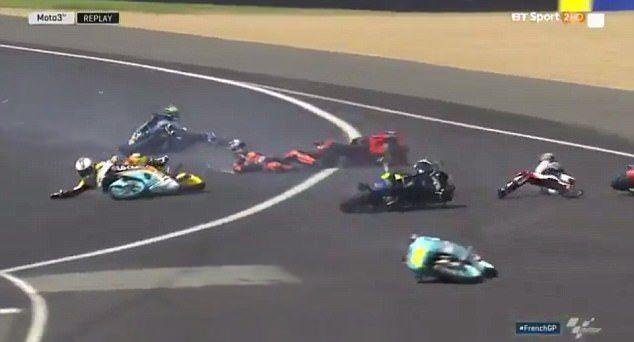 #Video Accidente en carrera de Moto 3