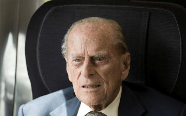 Príncipe Felipe pasará otra noche en el hospital