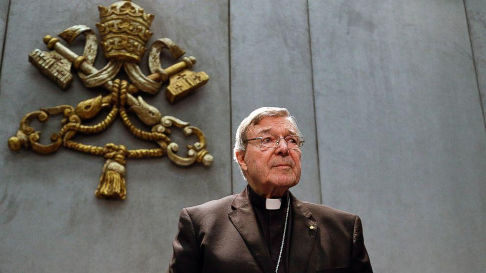 Colaborador del papa abandonará cargo temporalmente por imputación por abuso sexual