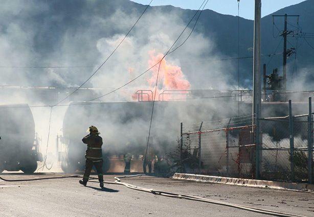 Tren embiste a camión de pasajeros en Nuevo León - Foto de La Voz de Jalisco
