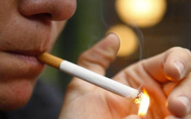 OMS revela que mueren diario 19 mil personas por el tabaco - Foto de Milenio