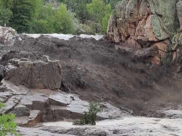 Identifican como hispanos a muertos de inundación intempestiva en Arizona