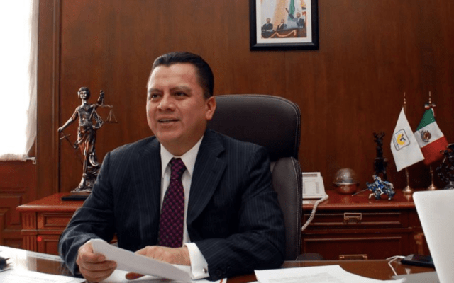 Consejero Jurídico confirma aspiración de ser jefe de Gobierno