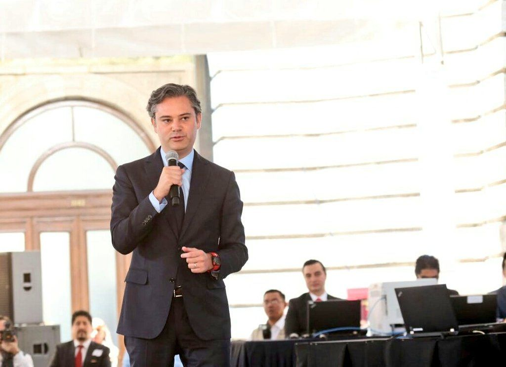 SEP asigna 902 plazas a docentes en la Ciudad de México - Aurelio Nuño. Foto de SEP