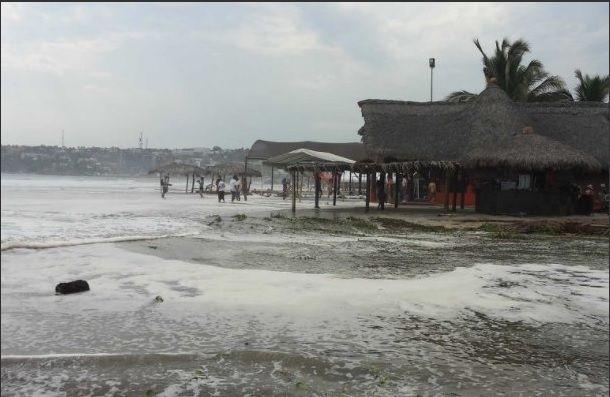 Puertos de Oaxaca cerrados a la navegación por mar de fondo - Foto de Noticieros Televisa