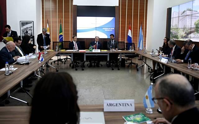 Mercosur suspende a Venezuela por violar orden constitucional - Foto de EFE