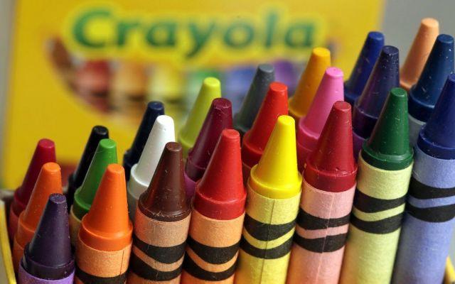 Crayola bautiza a su nueva crayola