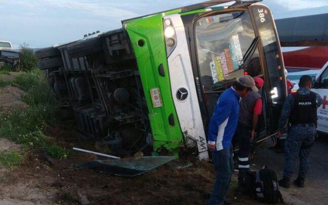 Volcadura de camión en Hidalgo deja cuatro lesionados