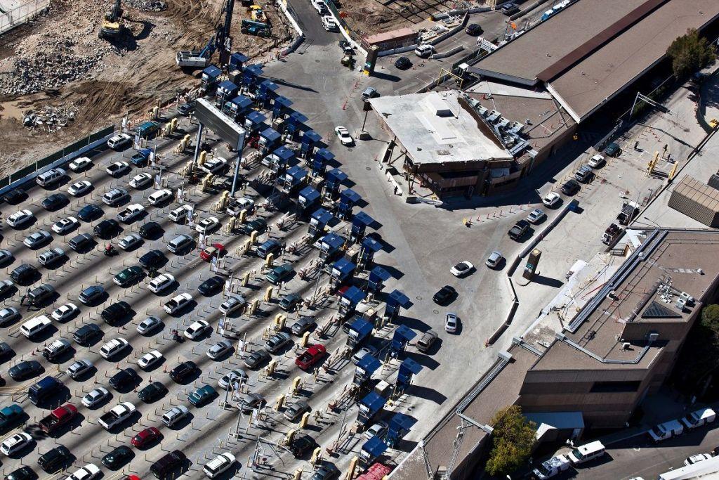 Reabren paso en Garita de San Ysidro hacia Baja California - Border Traffic at the San Ysidro Primary Port of Entry. Foto de U.S. Customs and Border Protection