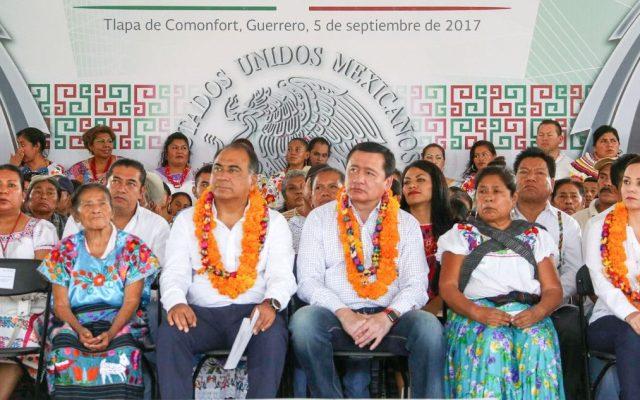 Osorio Chong y Héctor Astudillo entregan beneficios en la montaña de Guerrero