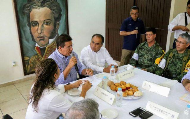 Gobernador de Guerrero encabeza reunión de evaluación de daños en Zihuatanejo