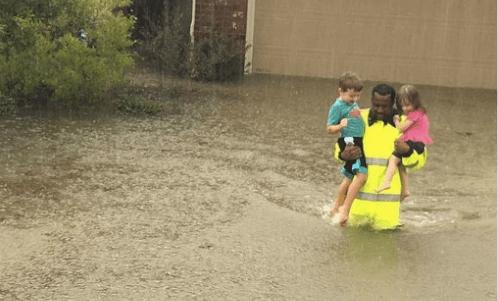 Sugieren estatuas de rescatistas tras paso de Harvey