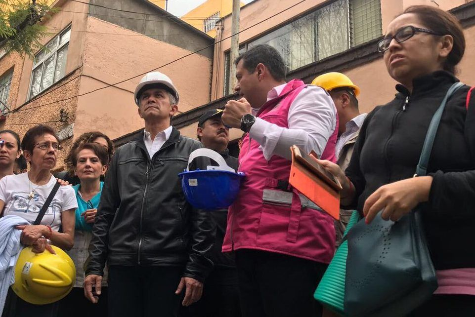 Labores de rescate continúan en cinco zonas de la ciudad: Mancera - Foto de @ManceraMiguelMX