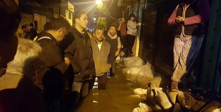 Se vuelve a desbordar presa en Cuautitlán Izcalli - Foto de Internet