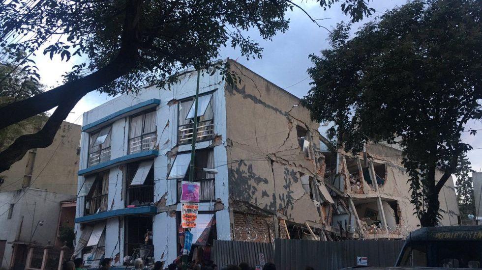 ¿Dónde reportar daños en un edificio? - Foto de @Julieettpink