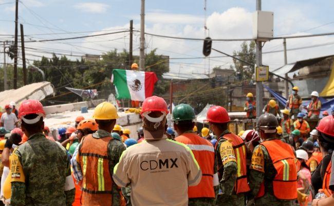 Labores de rescate tras sismo continuarán hasta el jueves - Foto de Notimex