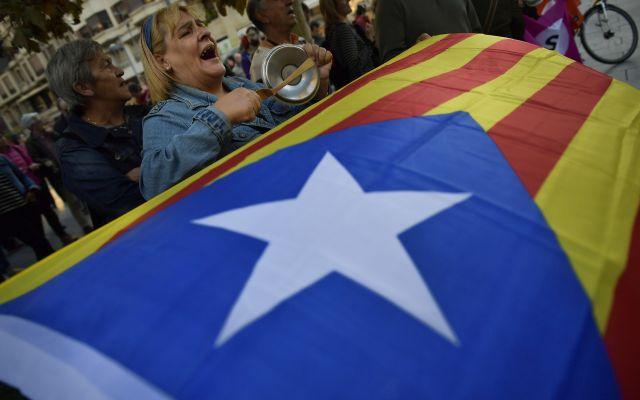 PSOE apoyará al gobierno de España respecto a independencia catalana - Foto de AP