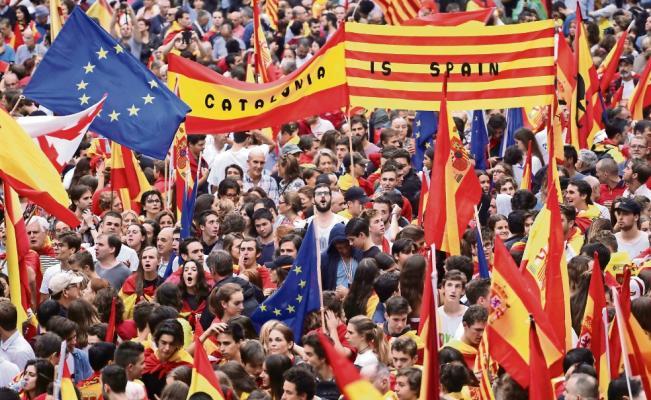 Rajoy pide disolver gobierno de Cataluña con artículo 155 - Foto de AP