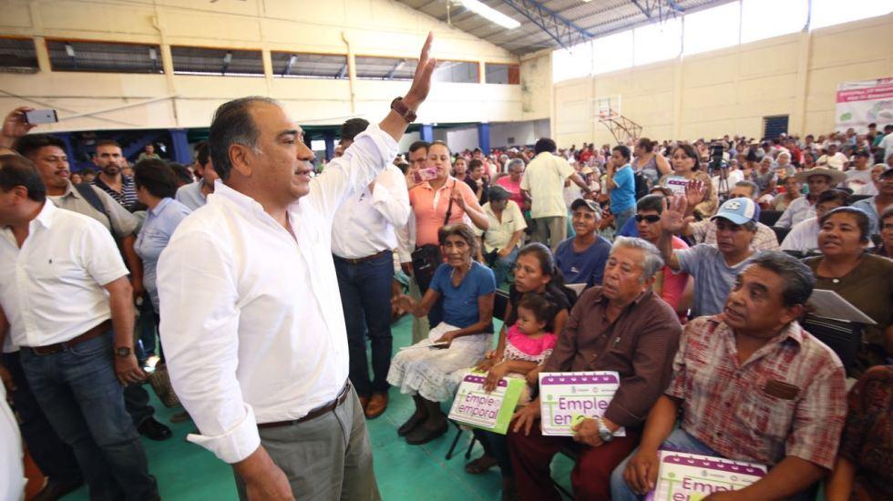 Entrega Héctor Astudillo créditos por 236 mdp a derechohabientes