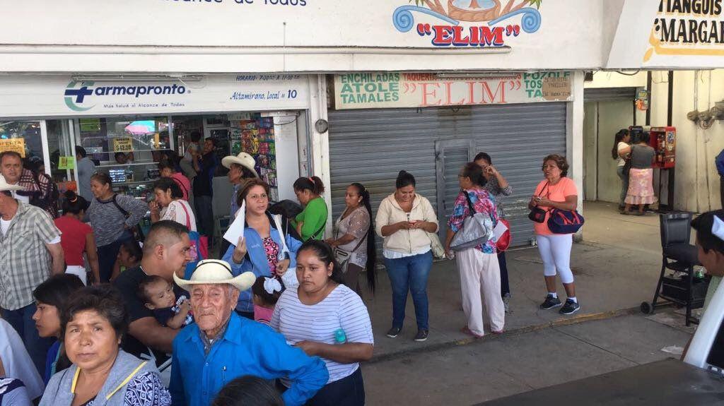 Morelos entrega actas de nacimiento a damnificados por el sismo - Foto de @GobiernoMorelos