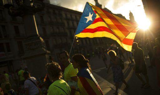 Gobierno de Cataluña prevé mantener actividad pese a ser cesado - Foto de AP
