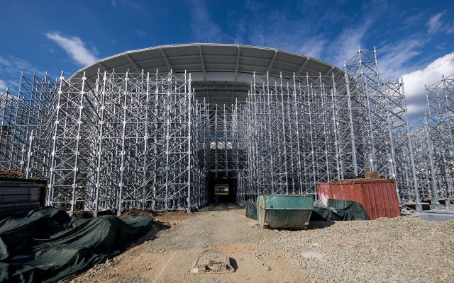 #Fotos El estadio más extraño de Rusia 2018 - EKATERINBURG, RUSSIA - AUGUST 19:  A general view of the constraction site of the Ekaterinburg Arena on August 19, 2017 in Ekaterinburg, Russia.  (Photo by Lars Baron/Getty Images)