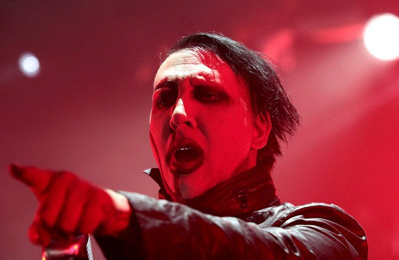 #Video Marilyn Manson sufre accidente durante concierto - Foto de internet