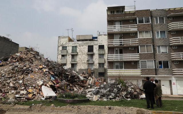 Cinco órdenes de aprehensión por inmuebles que cayeron en la Ciudad de México - Foto de El Universal