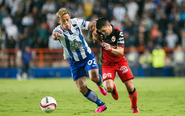 Definidas Semifinales de la Copa MX - Action photo during the match Pachuca vs Tijuana corresponding Quarters Finals of the League MX  of the Apertura 2017 Tournament.  Foto de accion durante el partido Pachuca vs Tijuana, correspondiente a la Cuartos de Final de la Copa MX del Torneo Apertura 2017, en Estadio Hidalgo en la foto:    Damian perez  Tijuana y Keisuke Honda Pachuca  08/11/2017/MEXSPORT/Osvaldo Aguilar