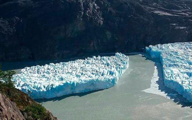 Se desprende iceberg de glaciar en la Patagonia chilena - Foto de @inach_gob
