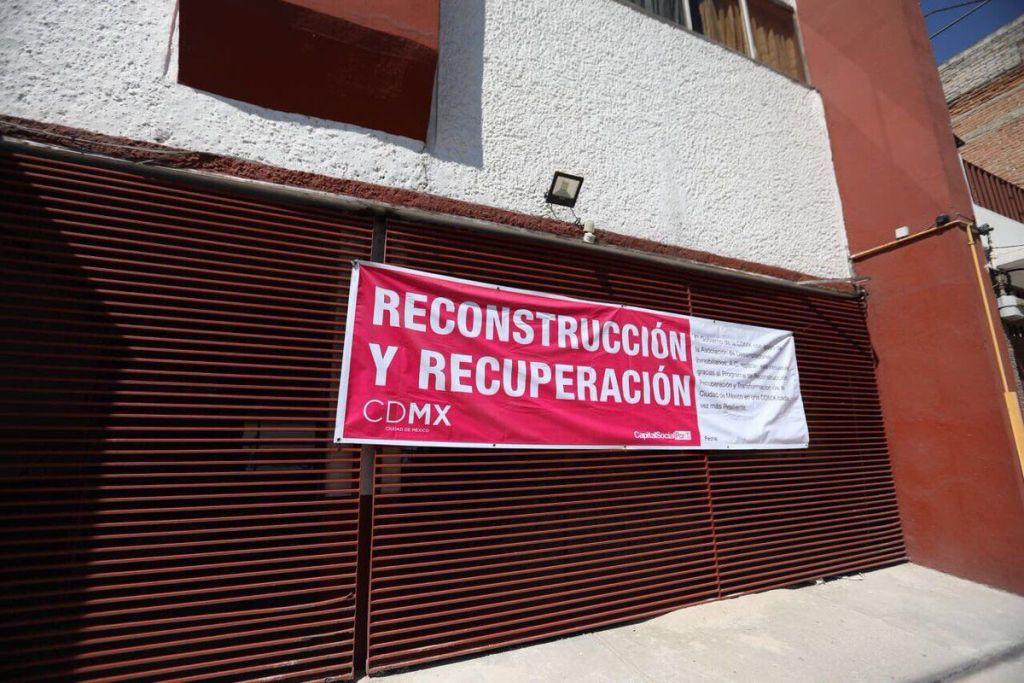 Interpol emite ficha roja contra ex funcionarios de la Ciudad de México - Foto de @ManceraMiguelMX