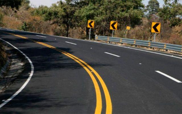 Carretera México-Toluca con mayor afluencia de vehículos - Foto de archivo