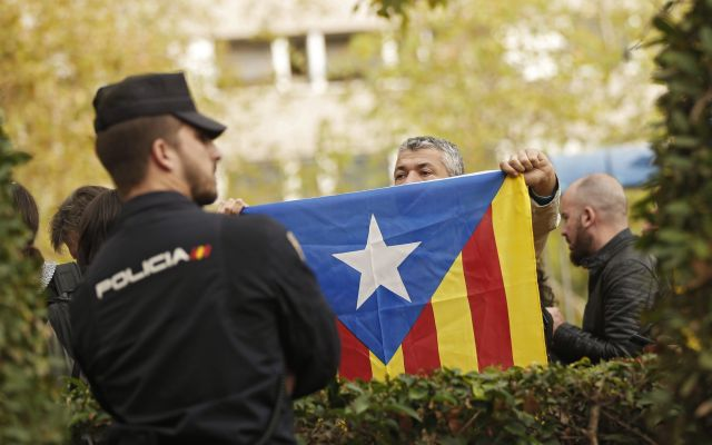 Corte rechaza demanda catalana contra gobierno español - Foto de AP