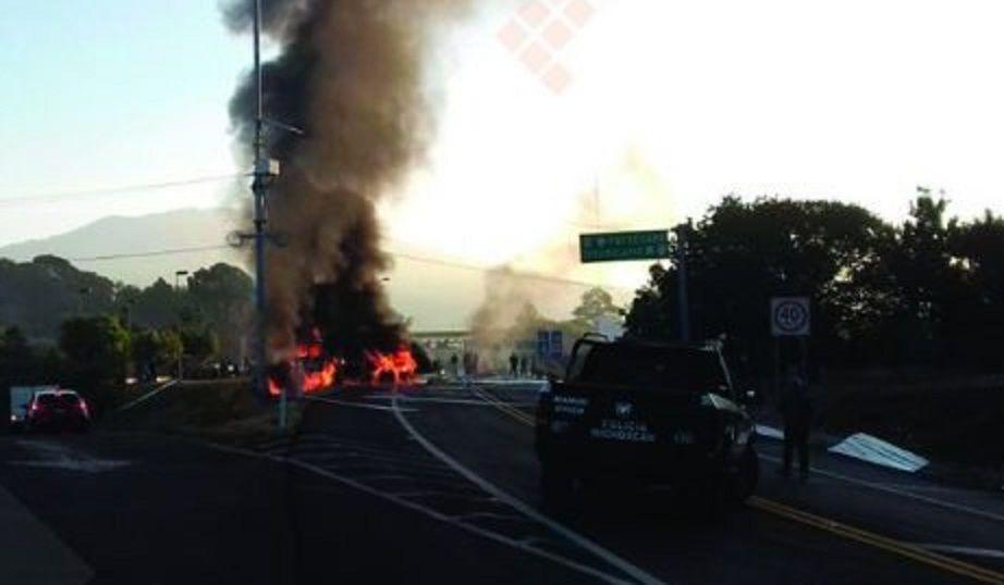 Accidente deja cuatro heridos en la Autopista Siglo 21 - Foto de Quadratín