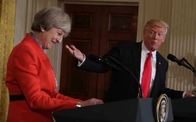 May descarta cancelar visita de Trump al Reino Unido - Foto de Alex Wong/Getty Images