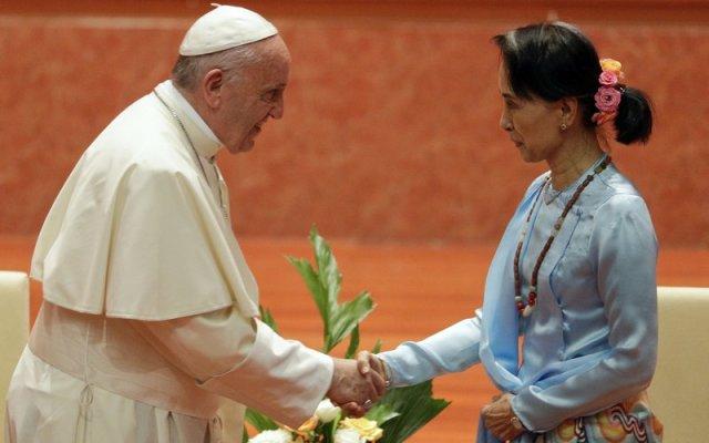 El papa decepciona con discurso en Myanmar contra limpieza étnica - Foto de AP/Andrew Medichini