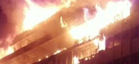 #Video Parlamento de Camerún queda gravemente dañado por incendio