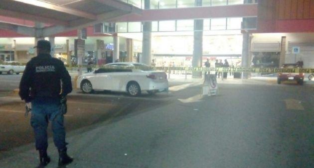 Matan a hombre en plaza comercial de Sinaloa - Foto de @ELDEBATE