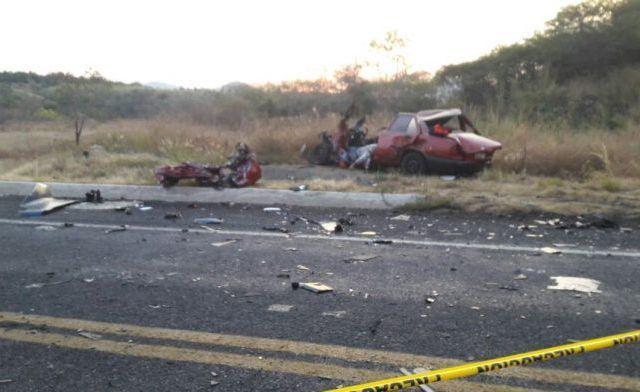 Choque deja al menos un muerto en la Autopista Siglo 21 - Foto de Quadratín