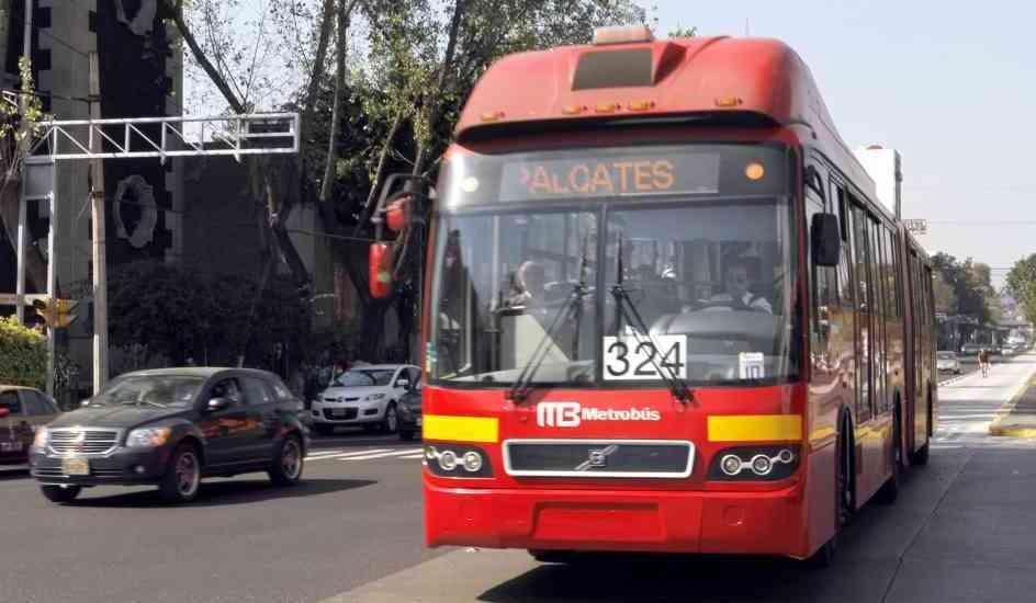 Metro y Metrobús funcionarán con horario especial por Año Nuevo - Foto de archivo
