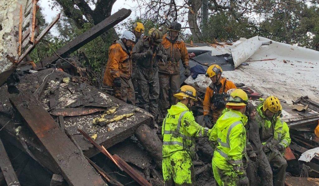 Al menos 17 muertos por deslaves en California - Foto de @EliasonMike