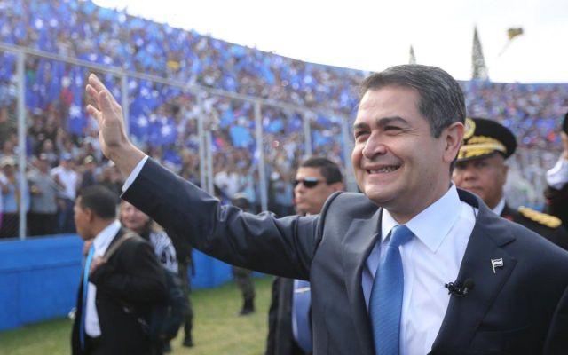 Juan Orlando Hernández asume cargo como presidente de Honduras - Foto de @JuanOrlandoH