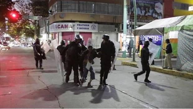 Detienen a 23 indígenas por daños en Palacio Municipal de Tuxtla Gutiérrez - Foto de Ola Noticias
